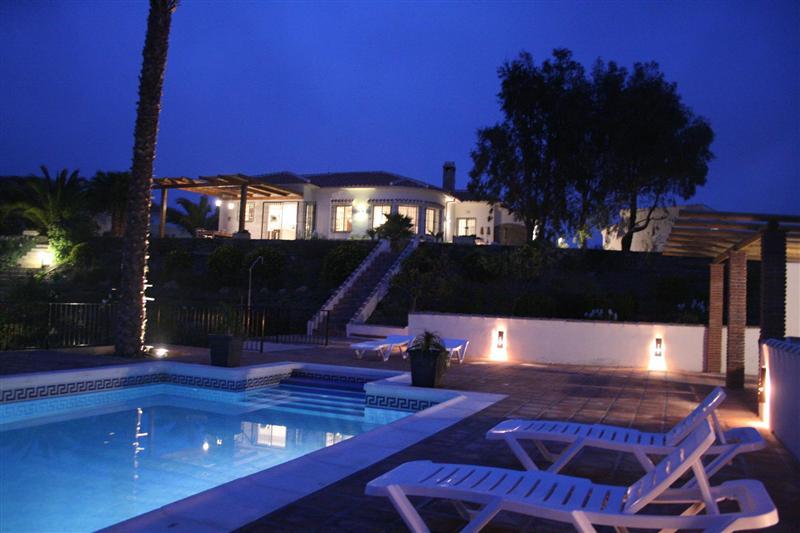 Casa iris terras en zwembad - Zwembad in het terras ...